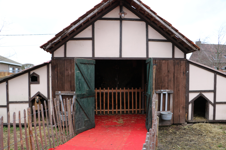 Geel Poiels kerstdorp